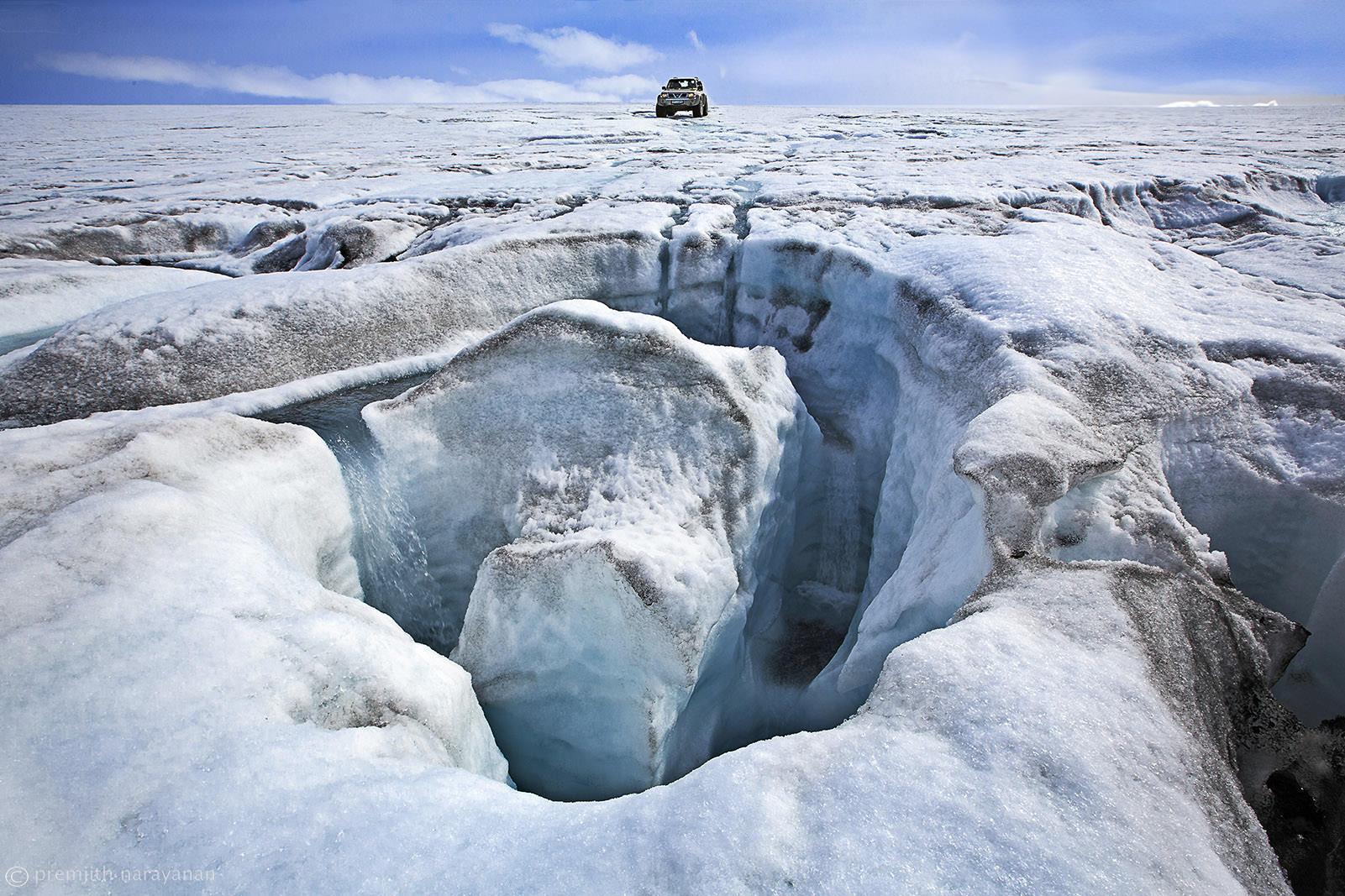 On top of Langjökull glacier (app. 1000 meters above msl)