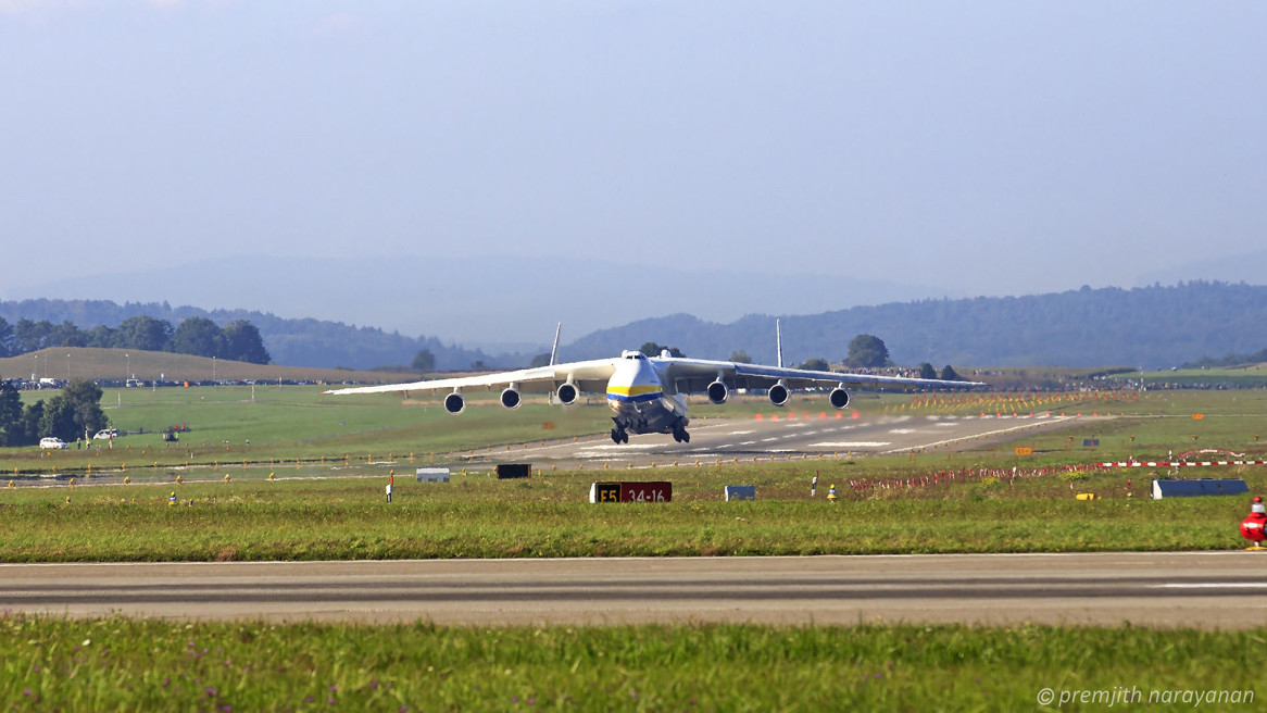 ANTONOV – World's largest Aircraft @ Swiss Airport