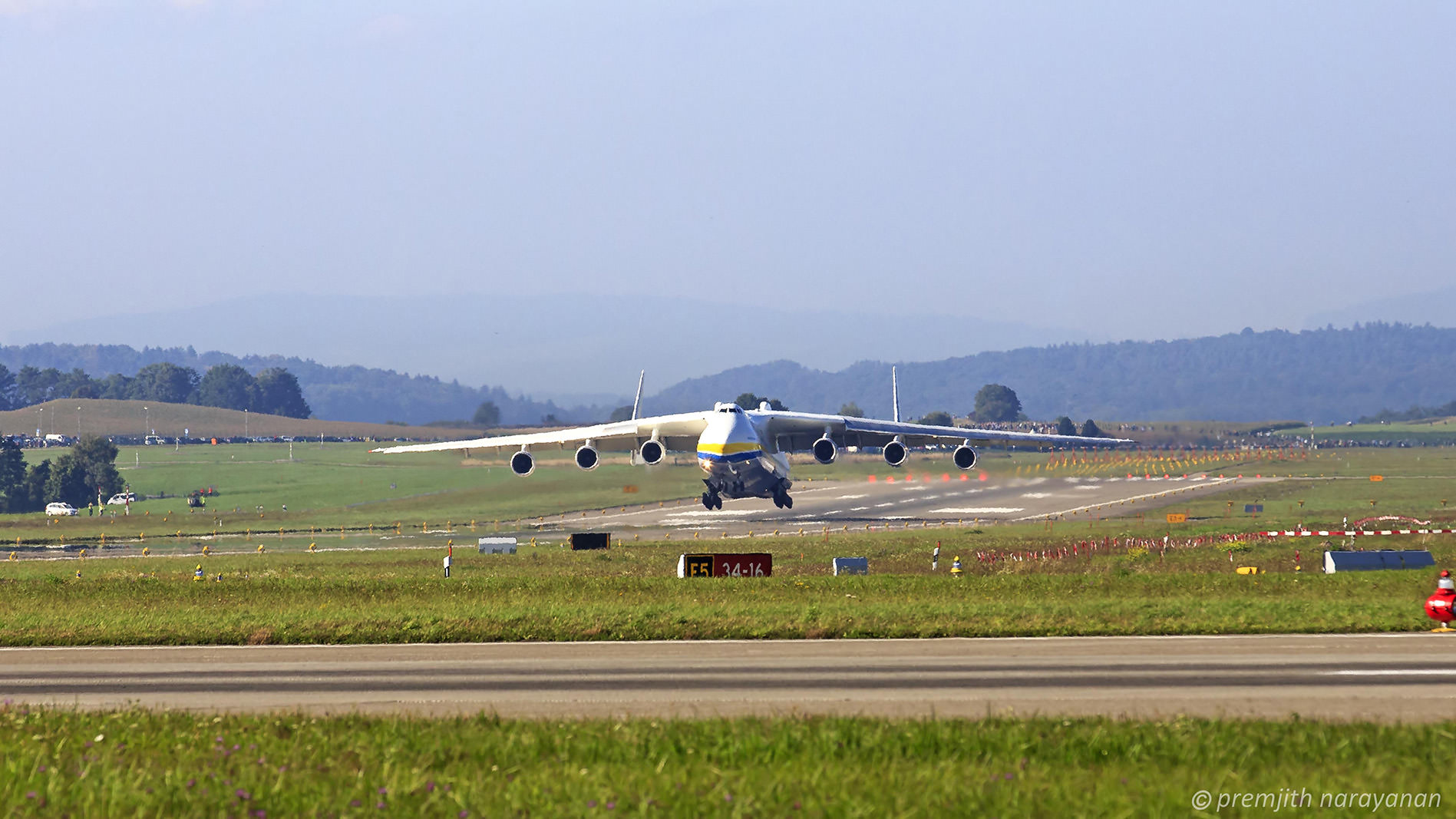 2. Antonov 225 before touch-down