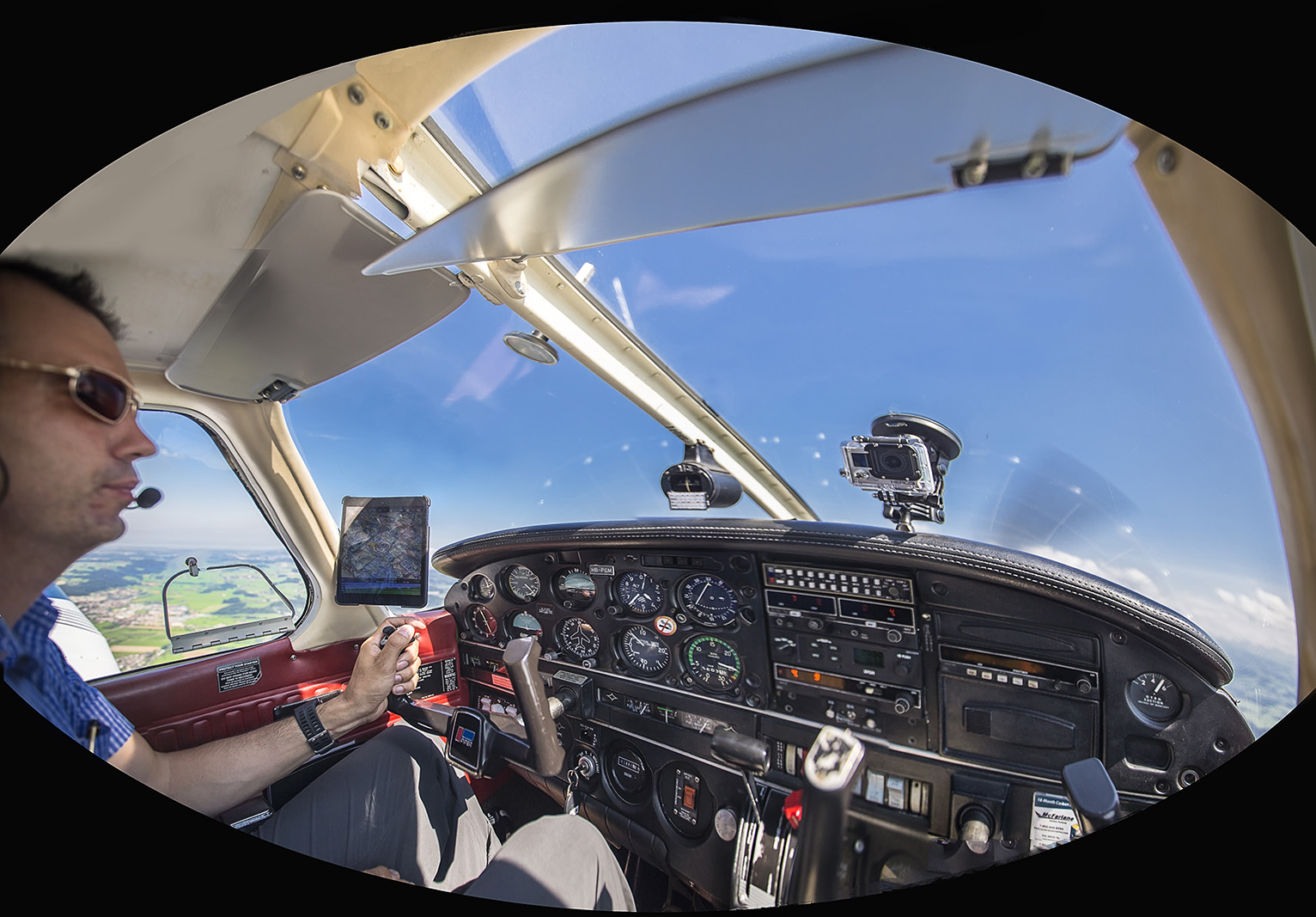 "DOMINIK  PILOTING  THE  ""PIPER ARCHER II"".  GOPRO CAMERA  FITTED  ON  THE  WINDSHIELD."
