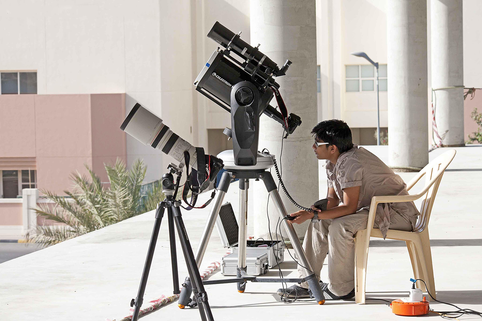 JATHIN  WITH  THE  TELESCOPE  WITH  THE  CAMERA  LENS  KITS